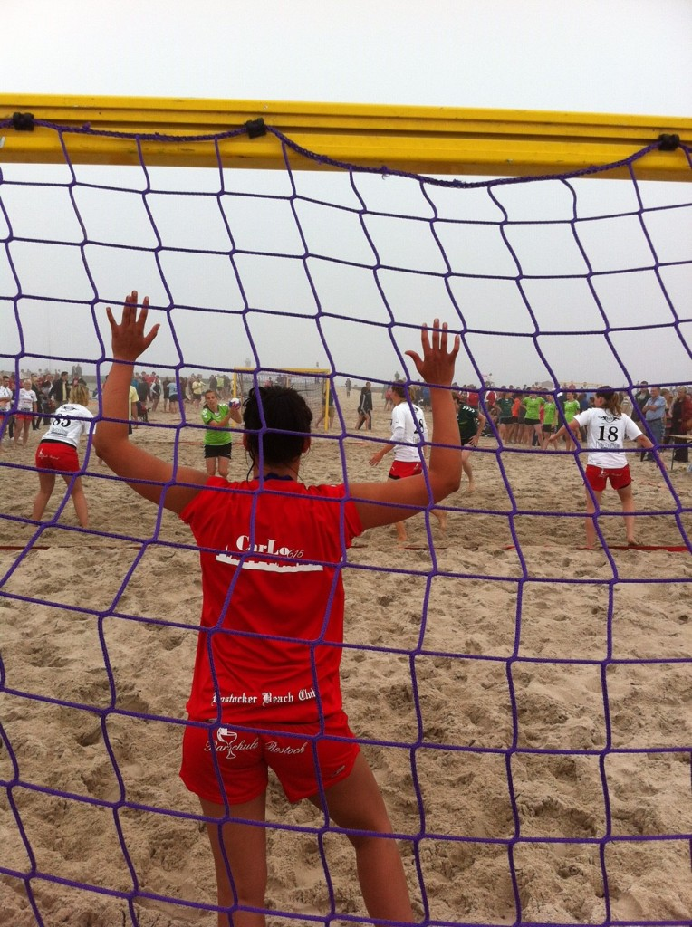 Strandversorgung Beachvolleyball Damen 300 Personen und Sponsor der heimischen Mannschaft